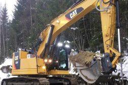 Huser entreprenør sin graver Cat325FLCr